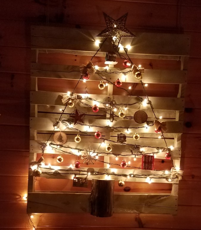 christmas-pallet-tree